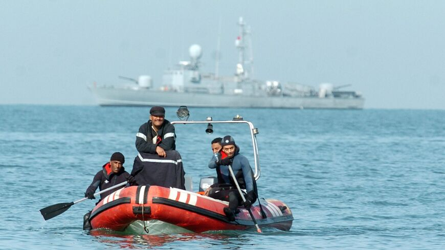 boat capsizing search off Tunisia
