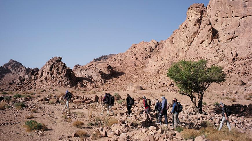 How Drop In Tourism Is Altering Life For Sinai Bedouins Al Monitor The Pulse Of The Middle East