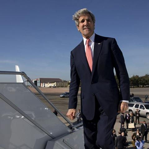 U.S. Secretary of State John Kerry boards his plane to leave Mohammed V International Airport in Casablanca for a return to the United States April 4, 2014. REUTERS/Jacquelyn Martin/Pool (MOROCCO - Tags: POLITICS) - RTR3K0J3