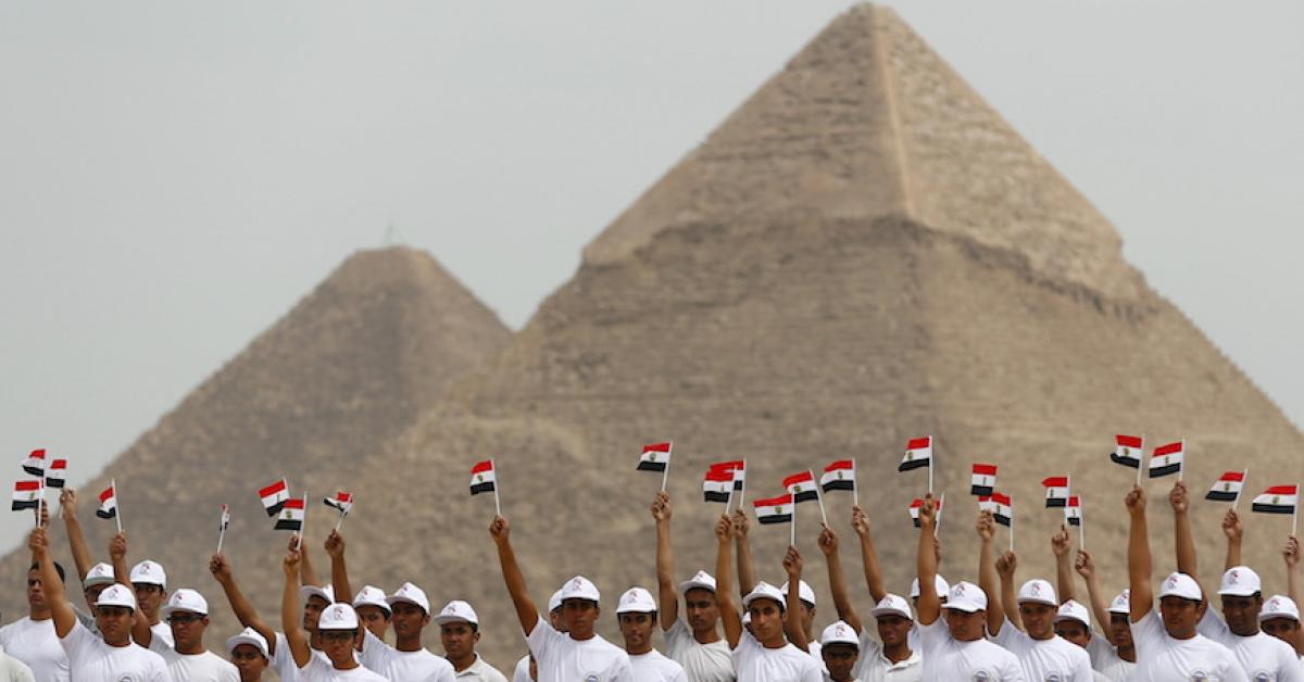Why Egypt Is Placing Its Pyramids Under Military Protection Al Monitor The Pulse Of The Middle East